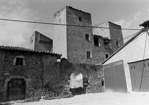 Castillo y recinto exterior