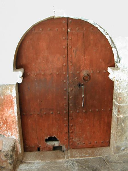 Puerta de la iglesia. 2000