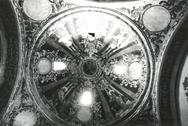 Iglesia. Cúpula. 1979