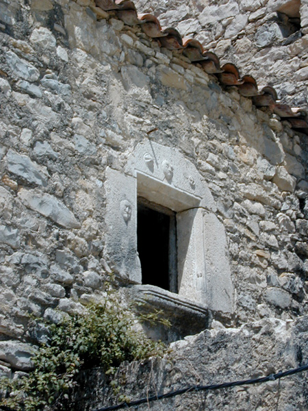 Ventana de fachada. 2000