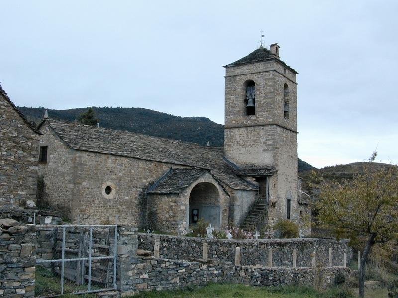 Iglesia vista desde el sur. 2001