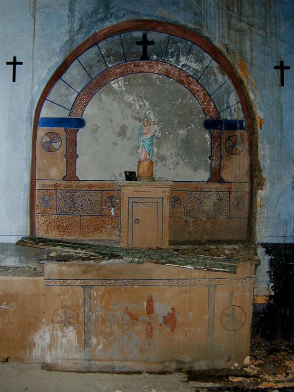 Altar en el lado de la Epístola. 2001