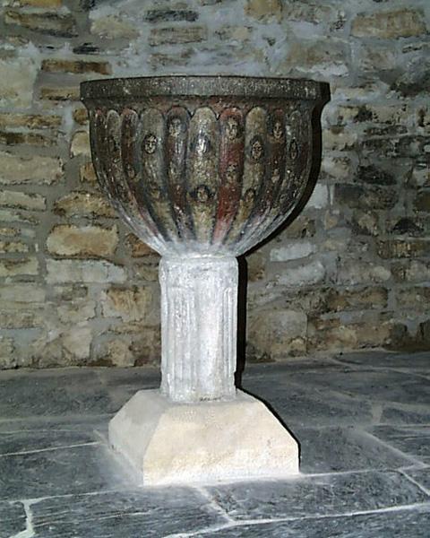 Pila bautismal. 2001