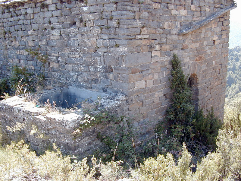 Aljibe moderno en el lado norte. 2000