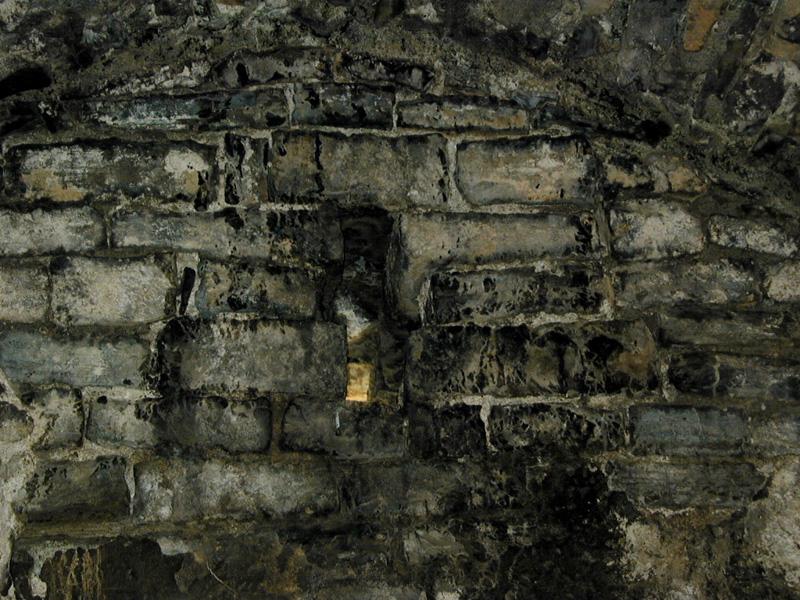 Ventana en el muro de los pies. 2000