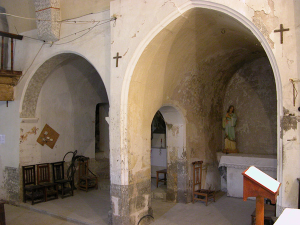 Capillas del lado del Evangelio. 2004