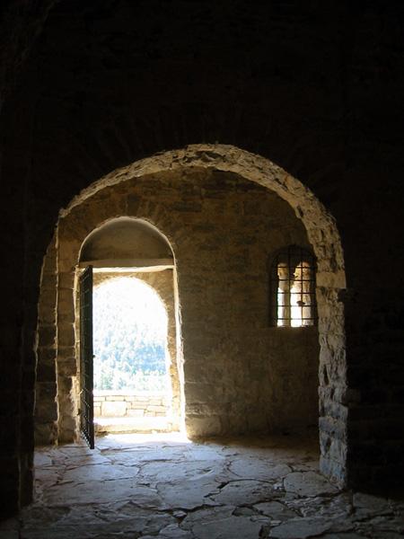 Puerta y arco formero. 2002