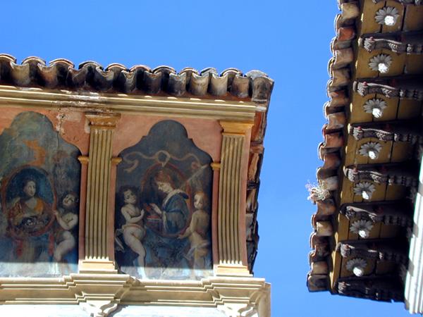 Aleros de casa Heredia y casa Bardají. 2001
