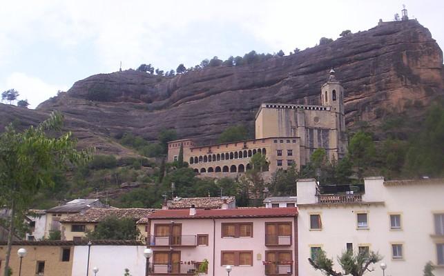 Basílica y emplazamiento del castillo