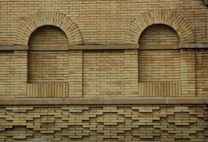 Fachadas laterales. Detalle decorativo