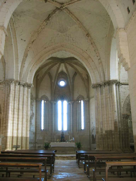 Nave central y ábside. 2002