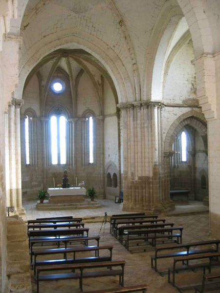 Nave central y ábsides. 2002