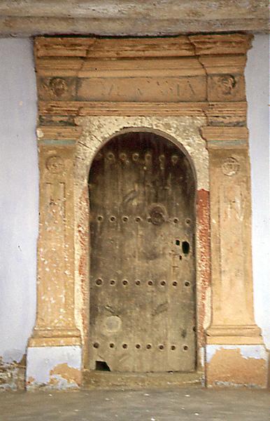 Ermita de la Virgen. Portada. 1997