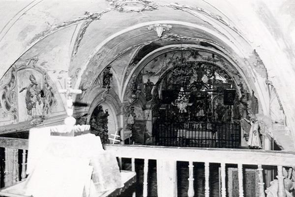 Ermita. Interior desde el coro. 1979