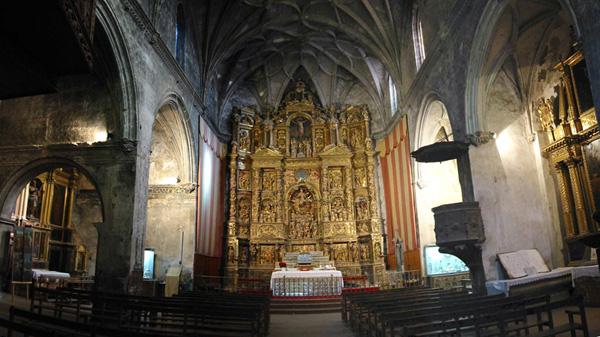 Iglesia. Nave y cabecera. 2002