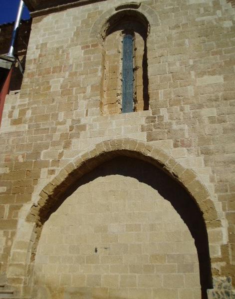 Puerta antigua y ventana. 2004