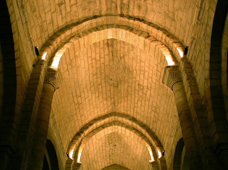 Nave central. Bóvedas. 2004