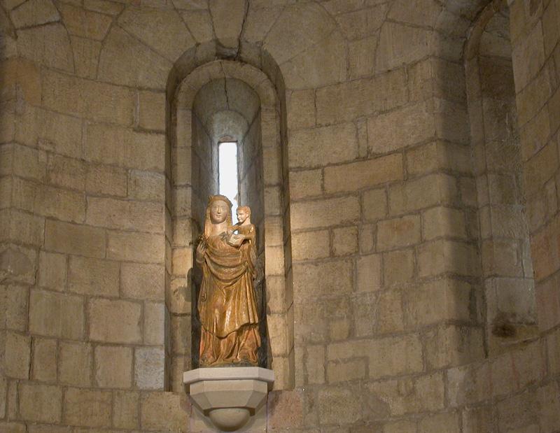 Escultura medieval de la Virgen. 2004