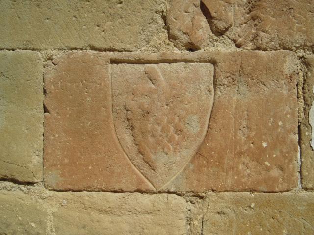 Muro sur. Escudo. 2004