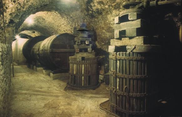 Bodegas en cueva (sector sur)