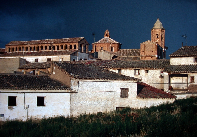 Vista general galería e iglesia