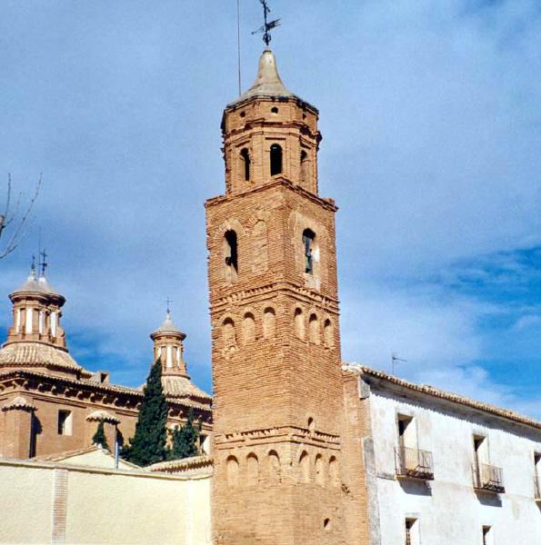 Torre del santuario de la Virgen del Pueyo