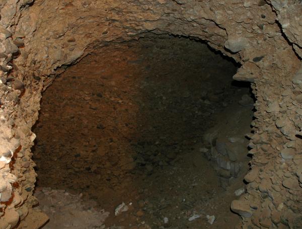 Bodega. Habitáculo excavado en el mallacán