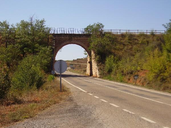 Puente sobre la carretera a Manzanera
