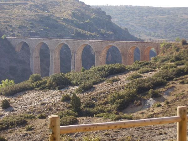 Viaducto de la Vía Menera