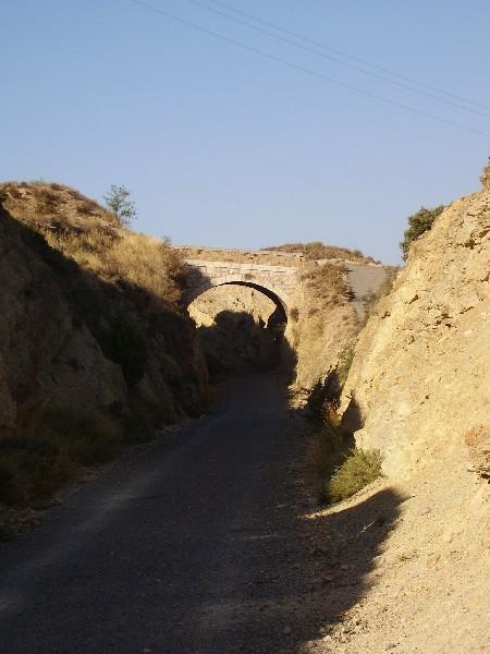 Puente del camino al molino de Abajo