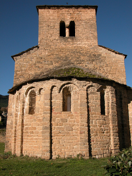 Ábside y torre