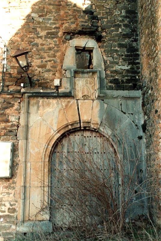 Portada de la casa abadía. 2001