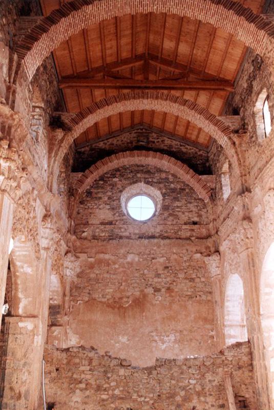 Iglesia. Nave central. 2001