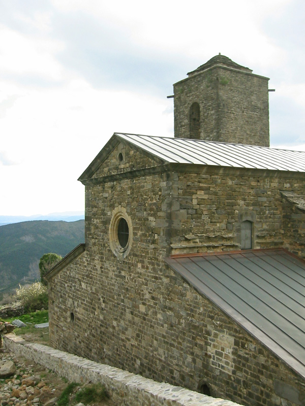 Iglesia. Exterior. Cabecera. 2002
