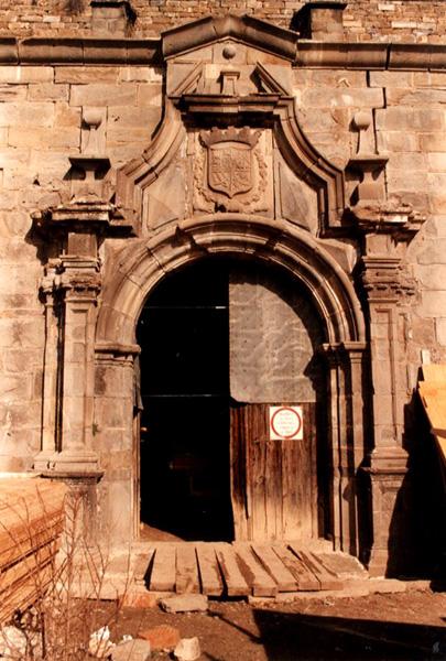 Portada de la iglesia. 2001