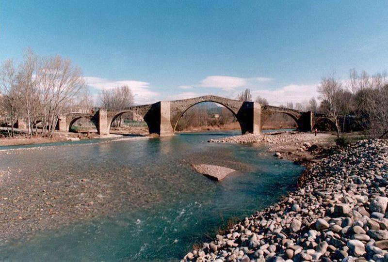 Vista desde aguas abajo. 2001