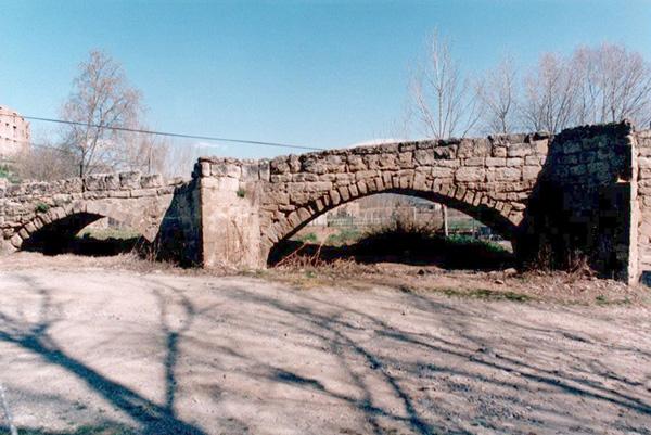 Arcos de inicio. Orilla derecha. 2001