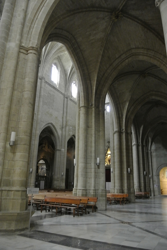 Nave lateral