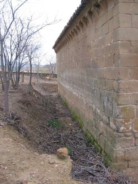Base del muro norte. 2002