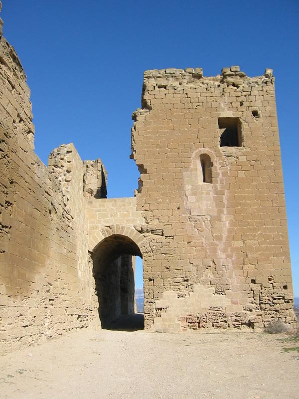 Torre y arco de acceso. 2003