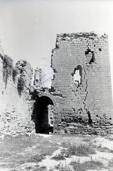 Torre y arco de acceso. 1979