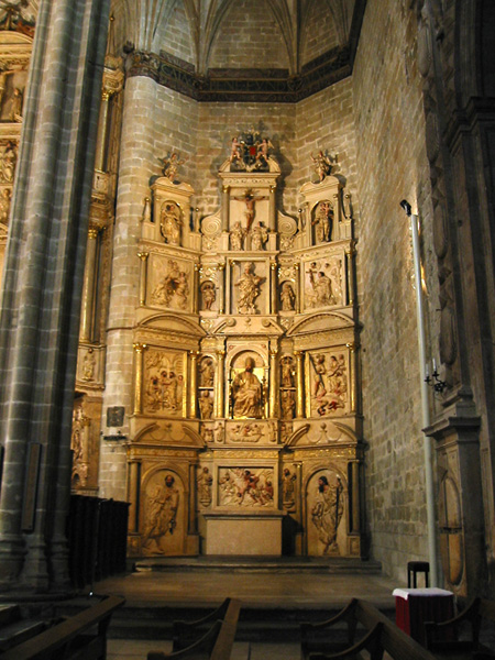 Ábside sur. Altar de San Pedro