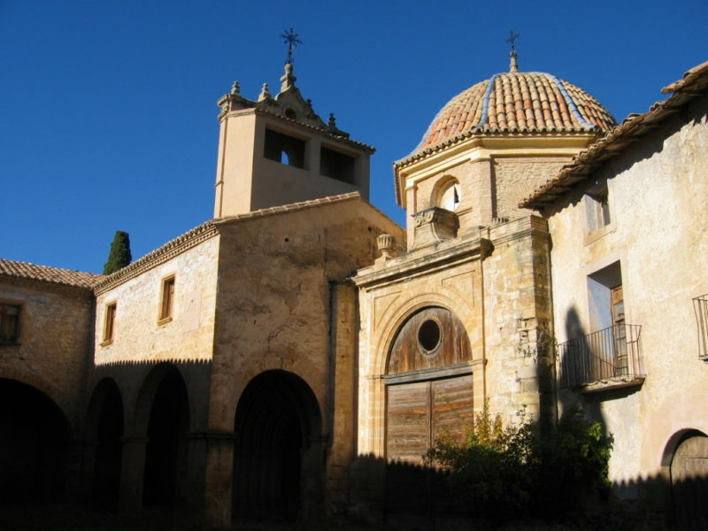 Iglesia y claustro