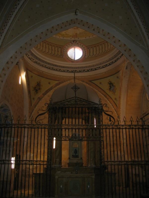 Interior de la iglesia. Cabecera