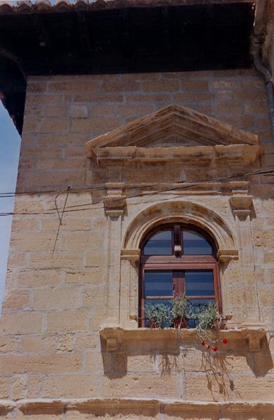 Ventana en la fachada derecha