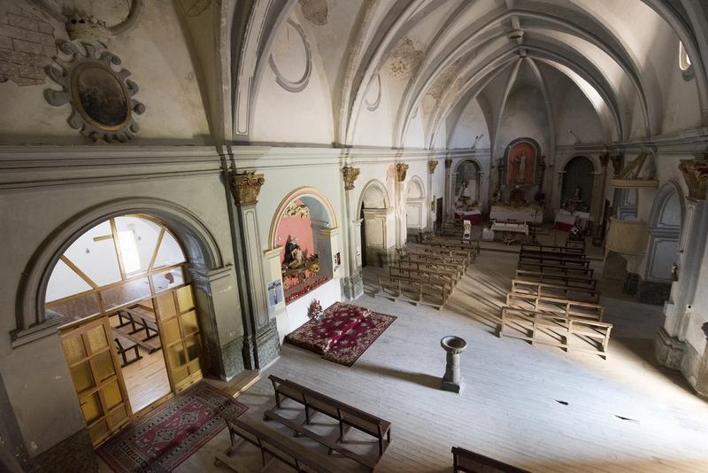 Cabecera y capillas laterales