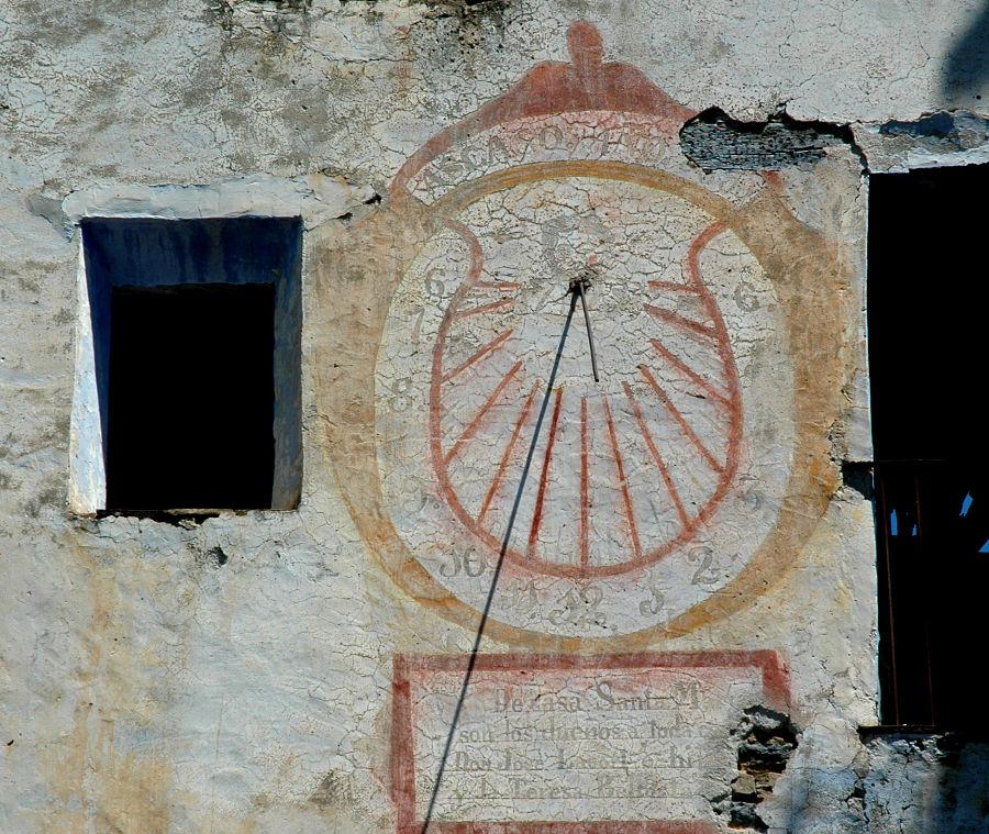 Reloj de sol en la pardina de Santa María de Ascaso