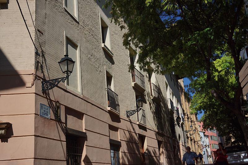 Fachada de casa Ena, en el corazón del casco histórico de Huesca