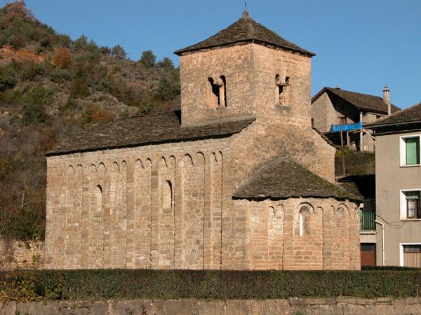 La iglesia de Santa Cruz de la Serós tras la reconstrucción de Chueca Goitia