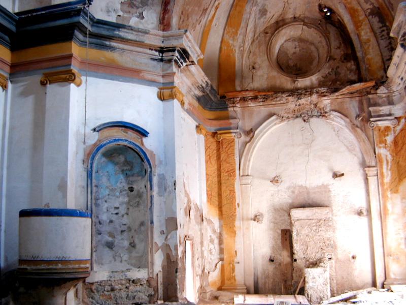 Ruinas de la iglesia de Clamosa (1773), una obra olvidada de Agustín Sanz en el prepirineo. Foto: Marta Puyol